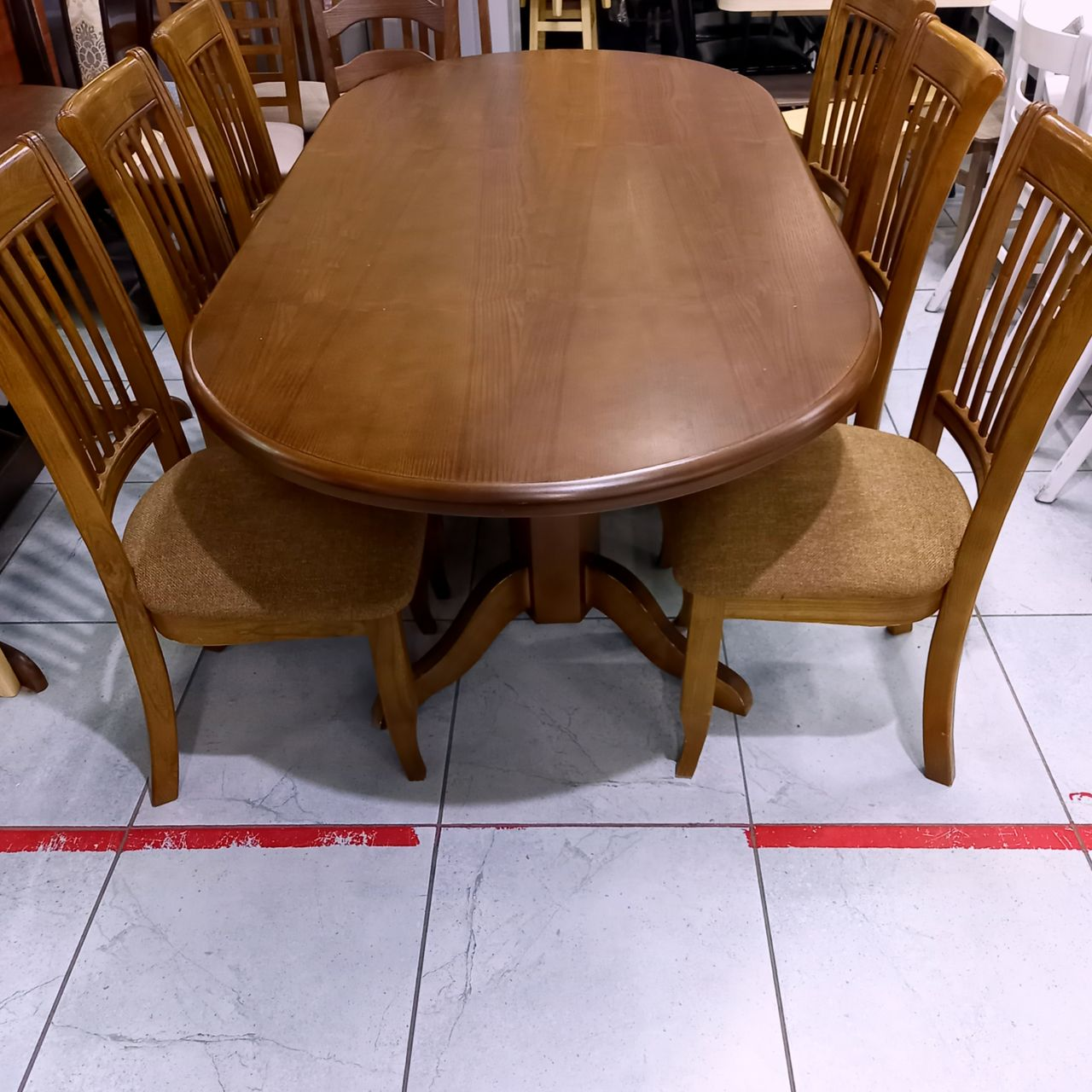Стол и стулья Рима