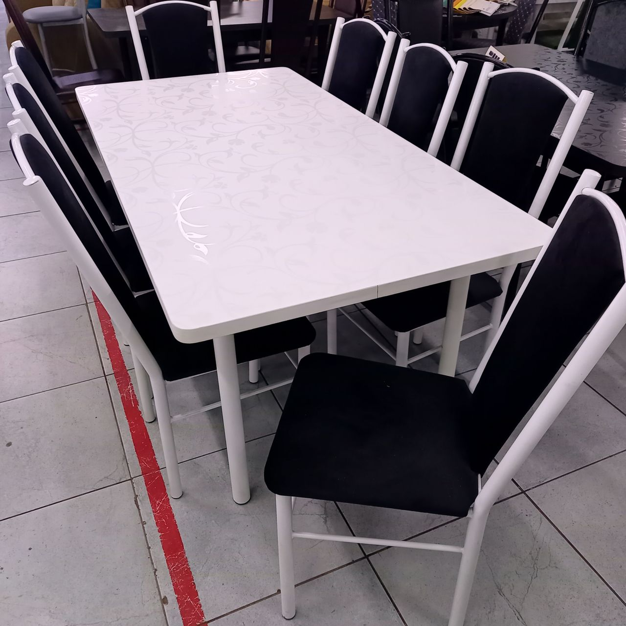 Стол со стульями Пери