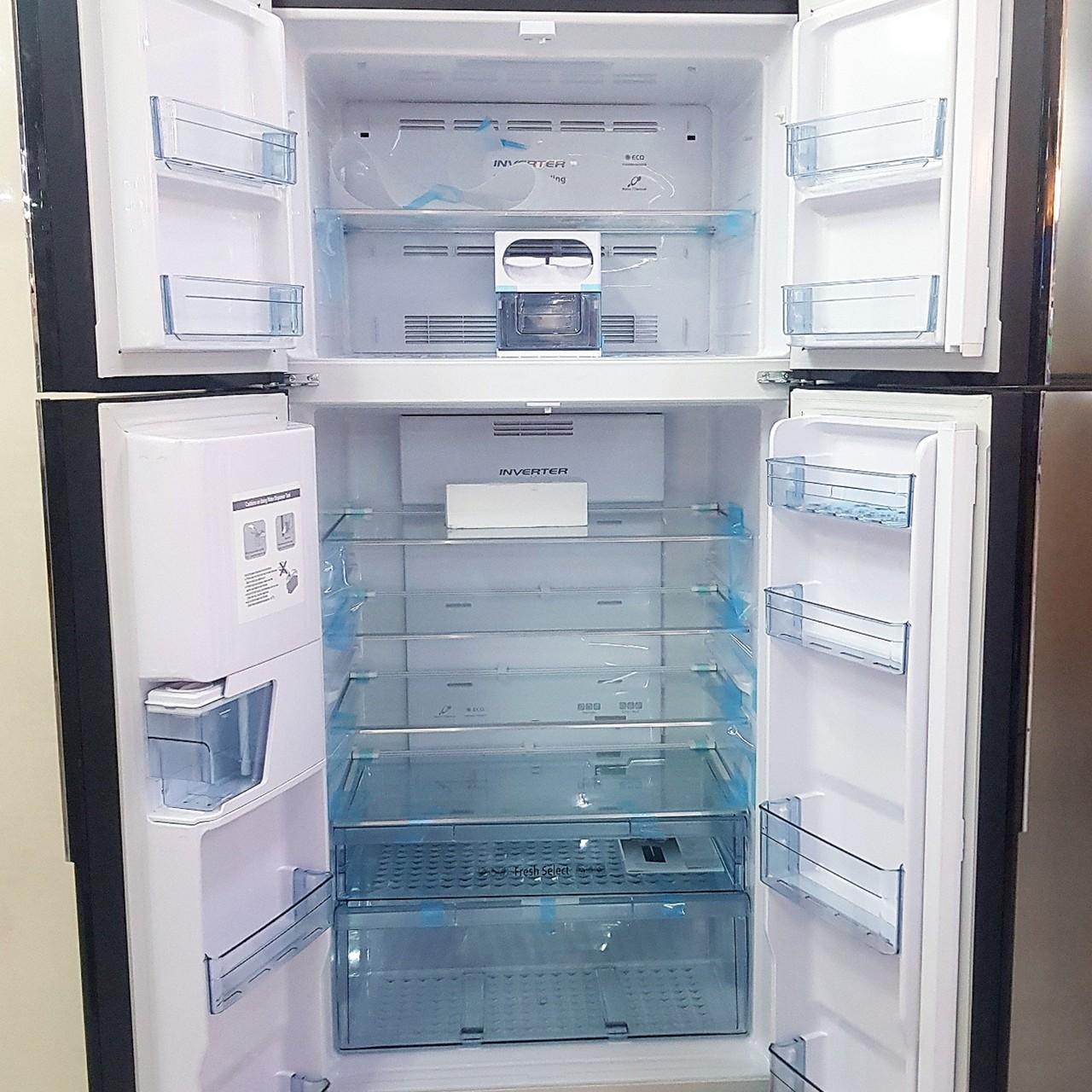 Холодильникх двухкамерный Hitachi 550 литров четырехдверный