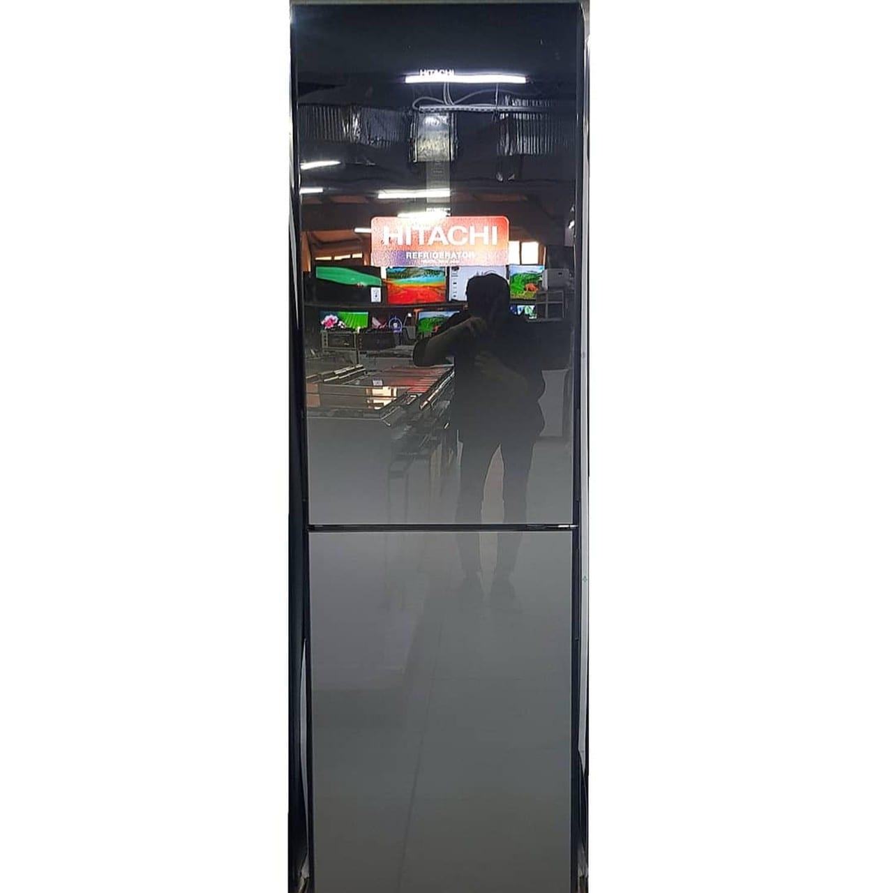 Холодильник двухкамерный Hitachi черный