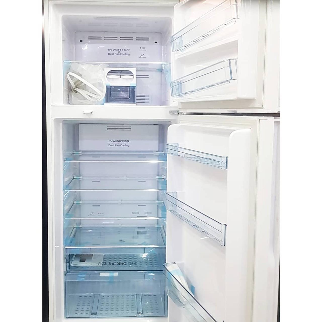 Холодильник двухкамерный Hitachi 450 литров белый