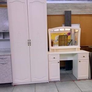 Шкаф и дамский столик Дива