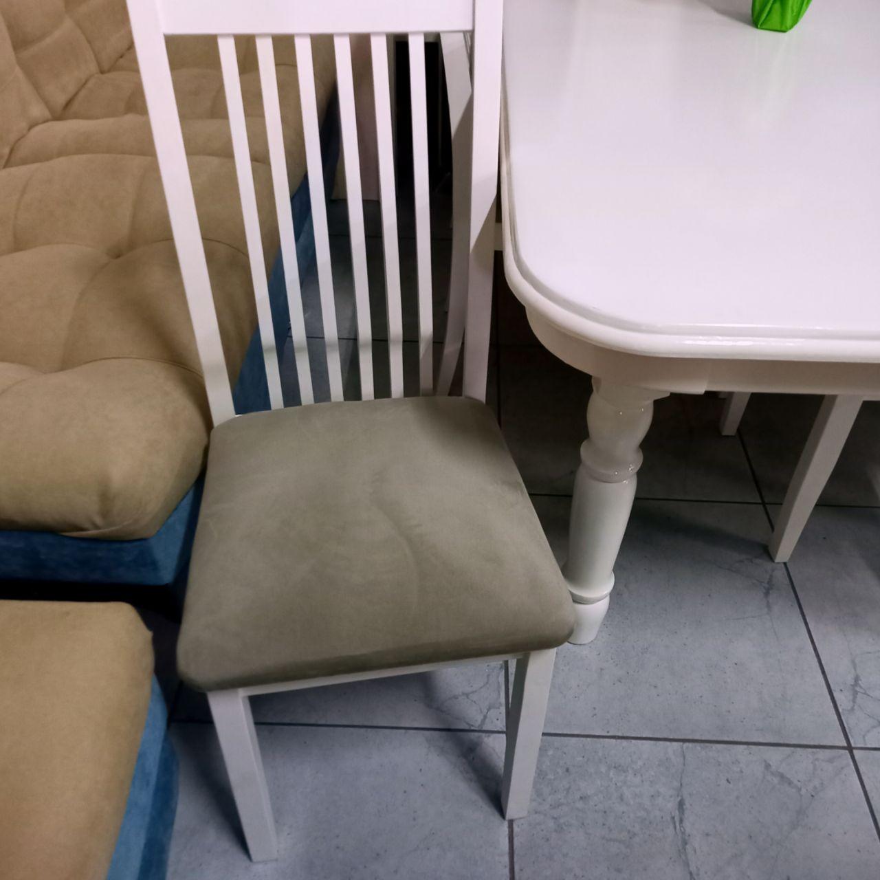 Стол и стулья Берни