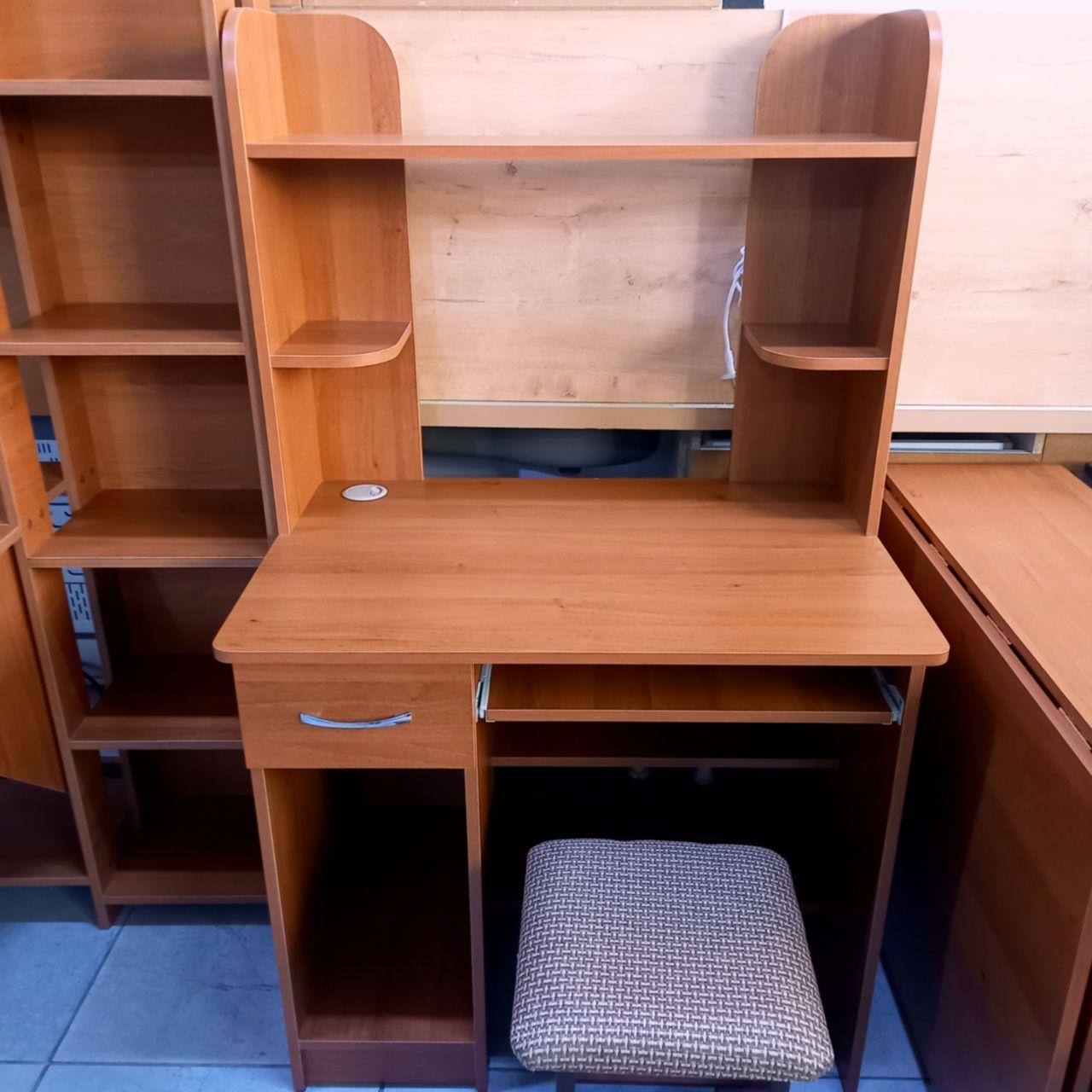 Компьютерный стол Алеша