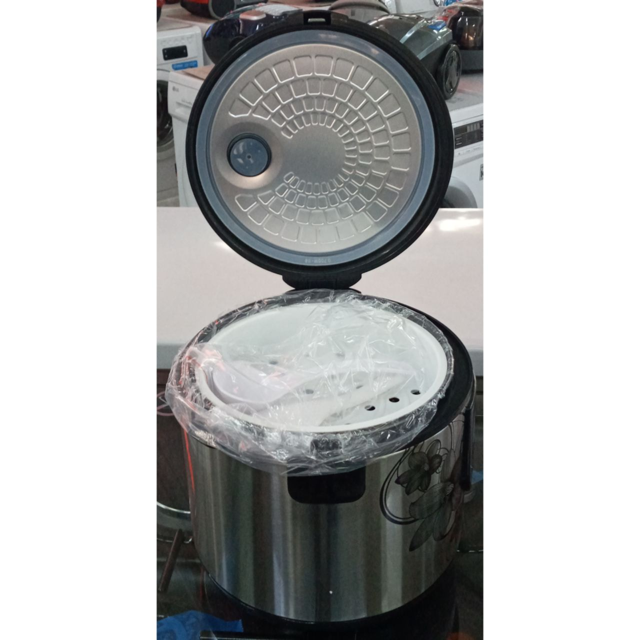 Мультиварка Centek объемом 5 литров