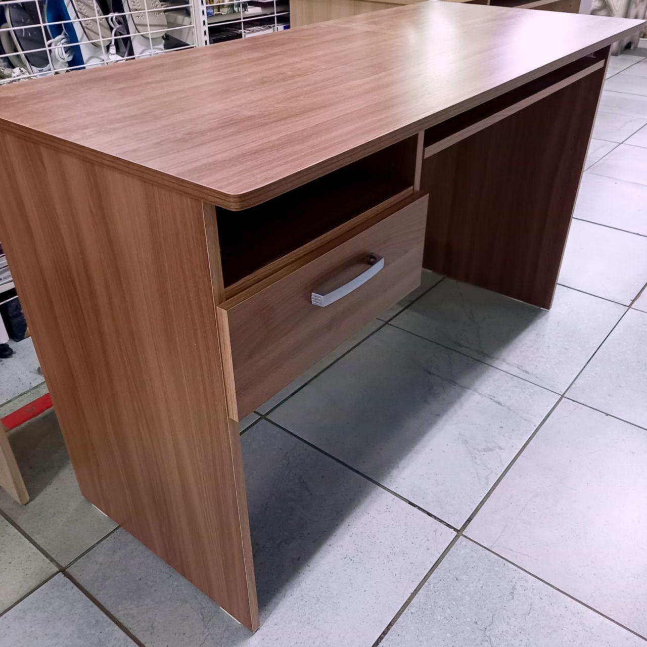 Письменный стол Лито