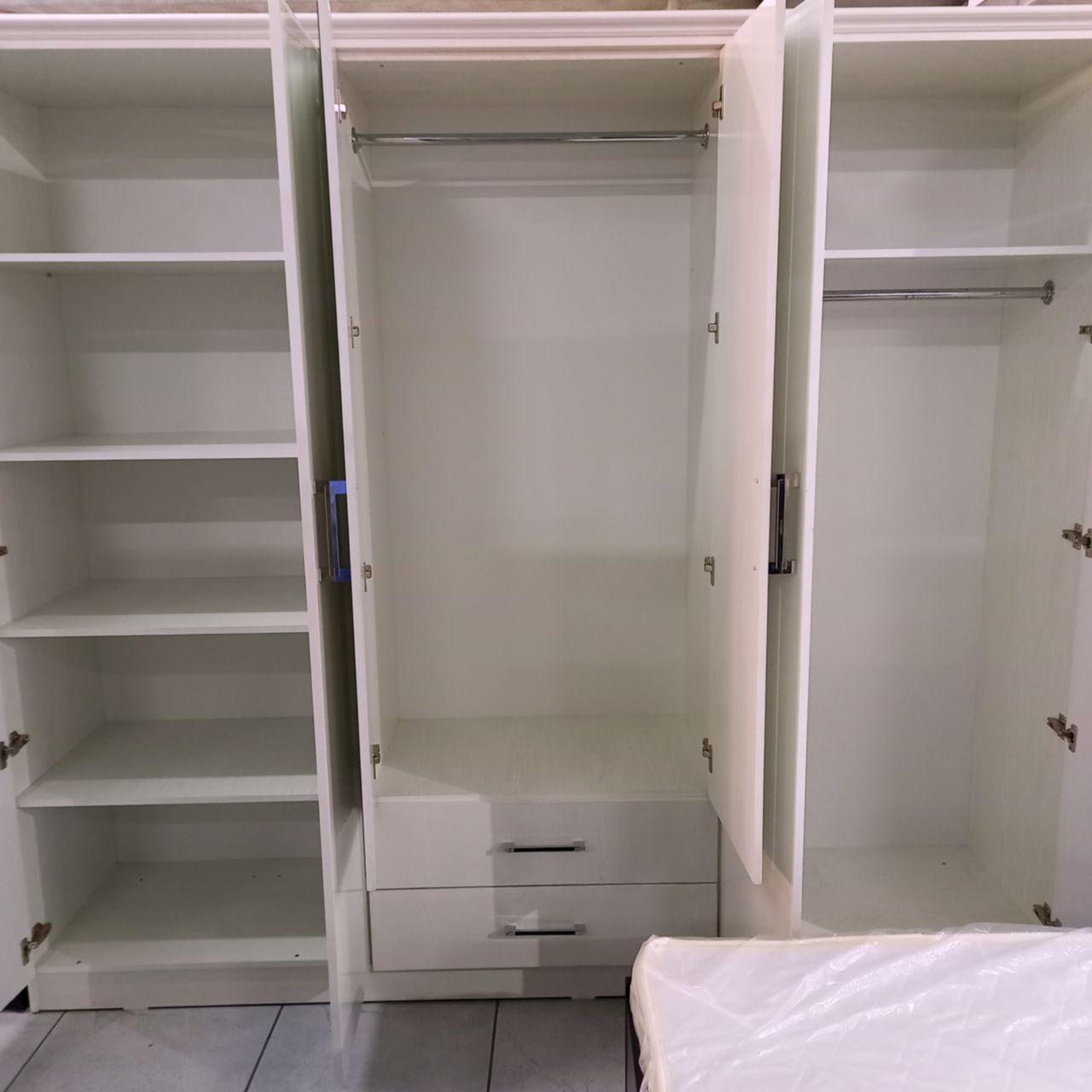 Спальный гарнитур Акри