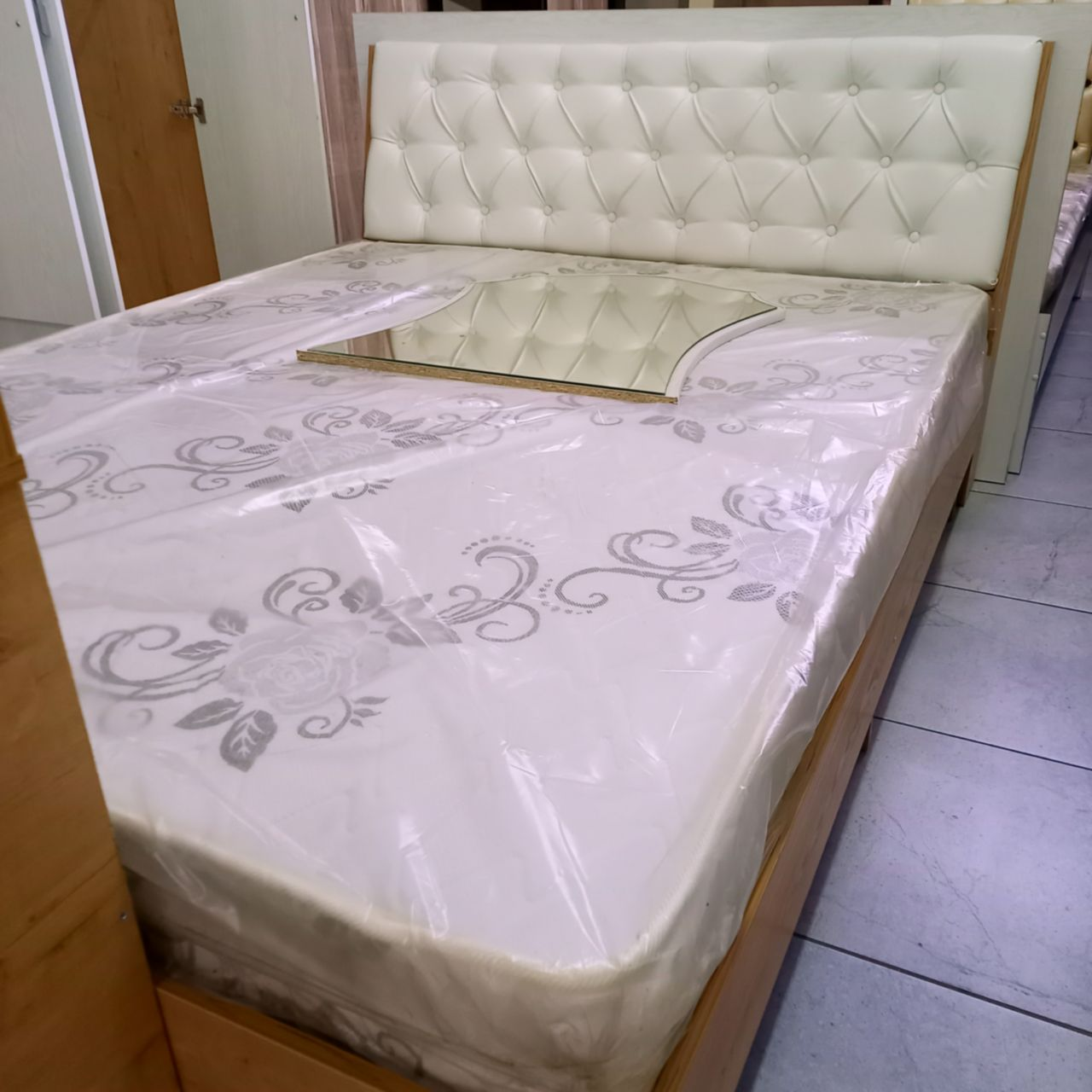 Спальный гарнитур Хелена