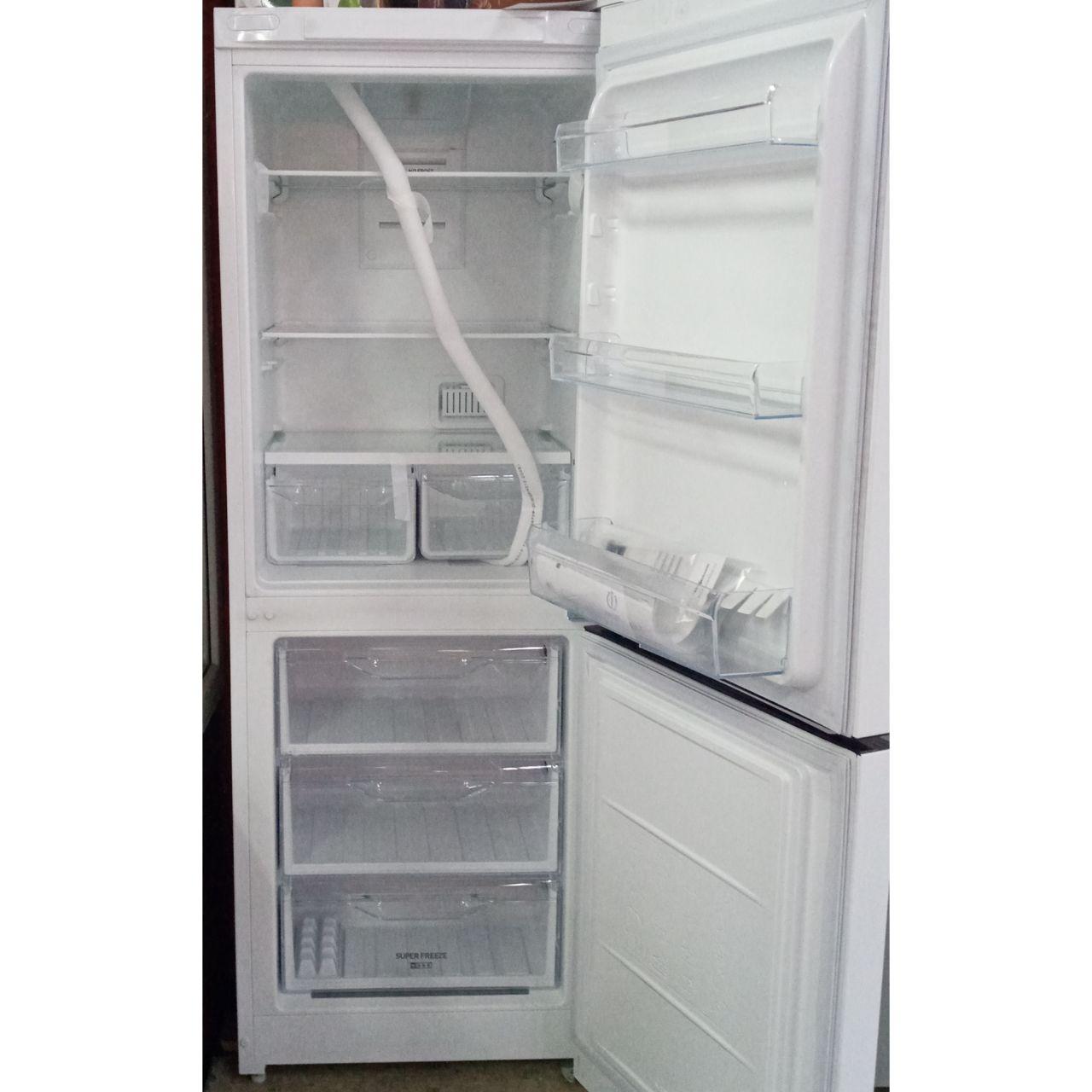 Холодильник двухкамерный Indesit 256 литров