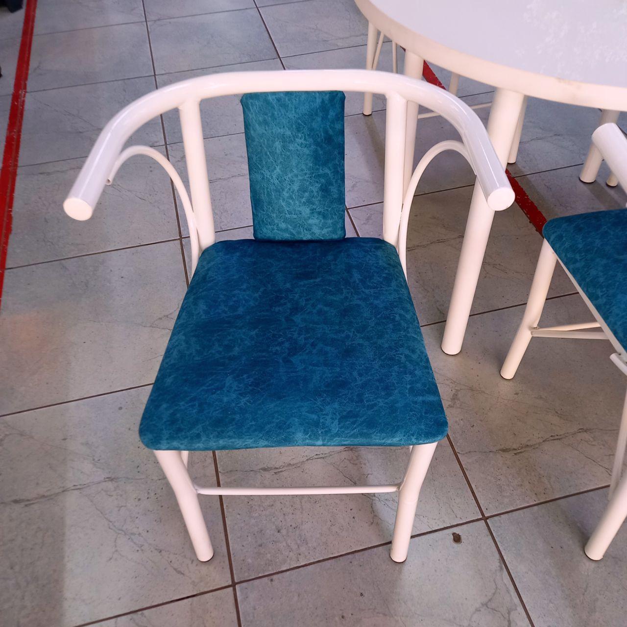 Стол со стульями Анри
