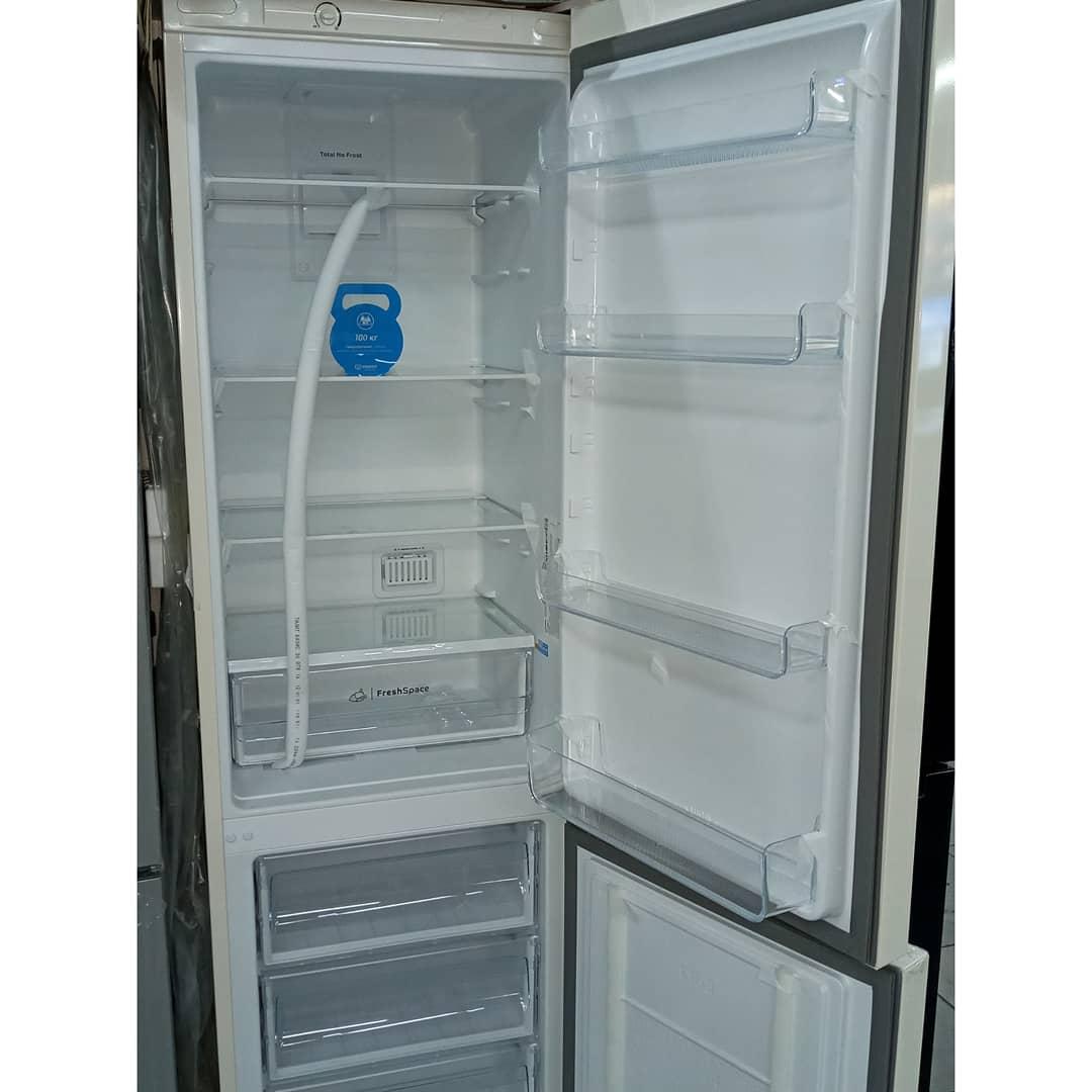 Холодильник двухкамерный Indesit 325 литров