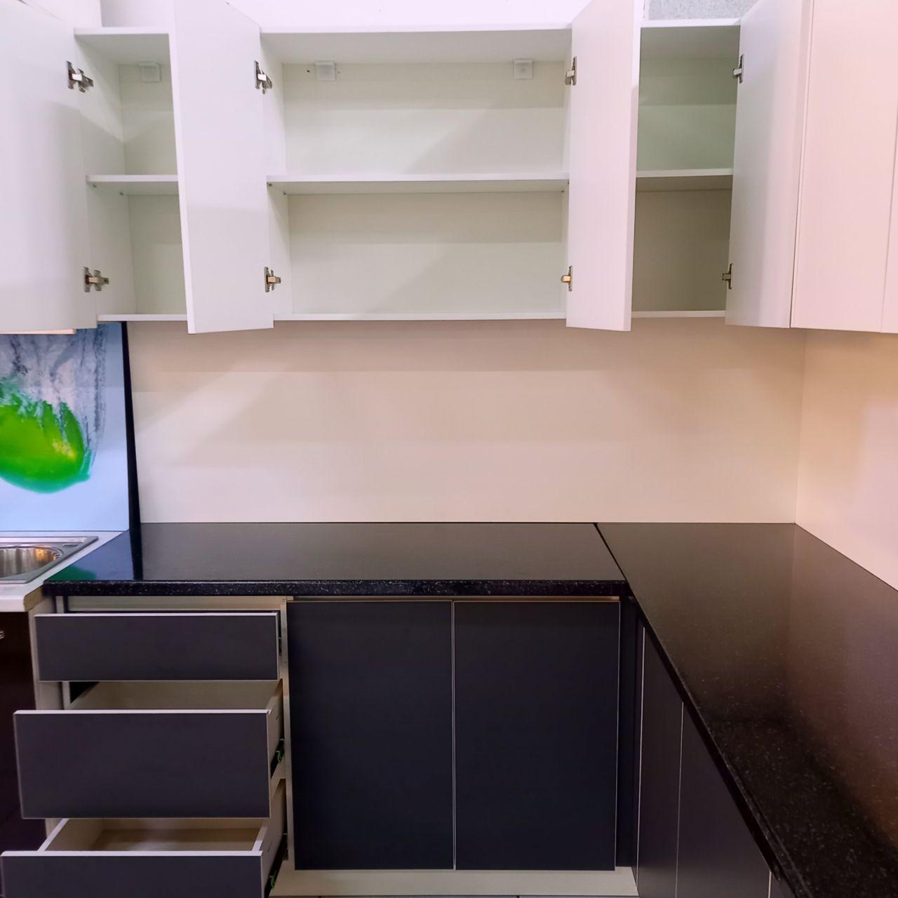 Угловой кухонный гарнитур Байчечекей