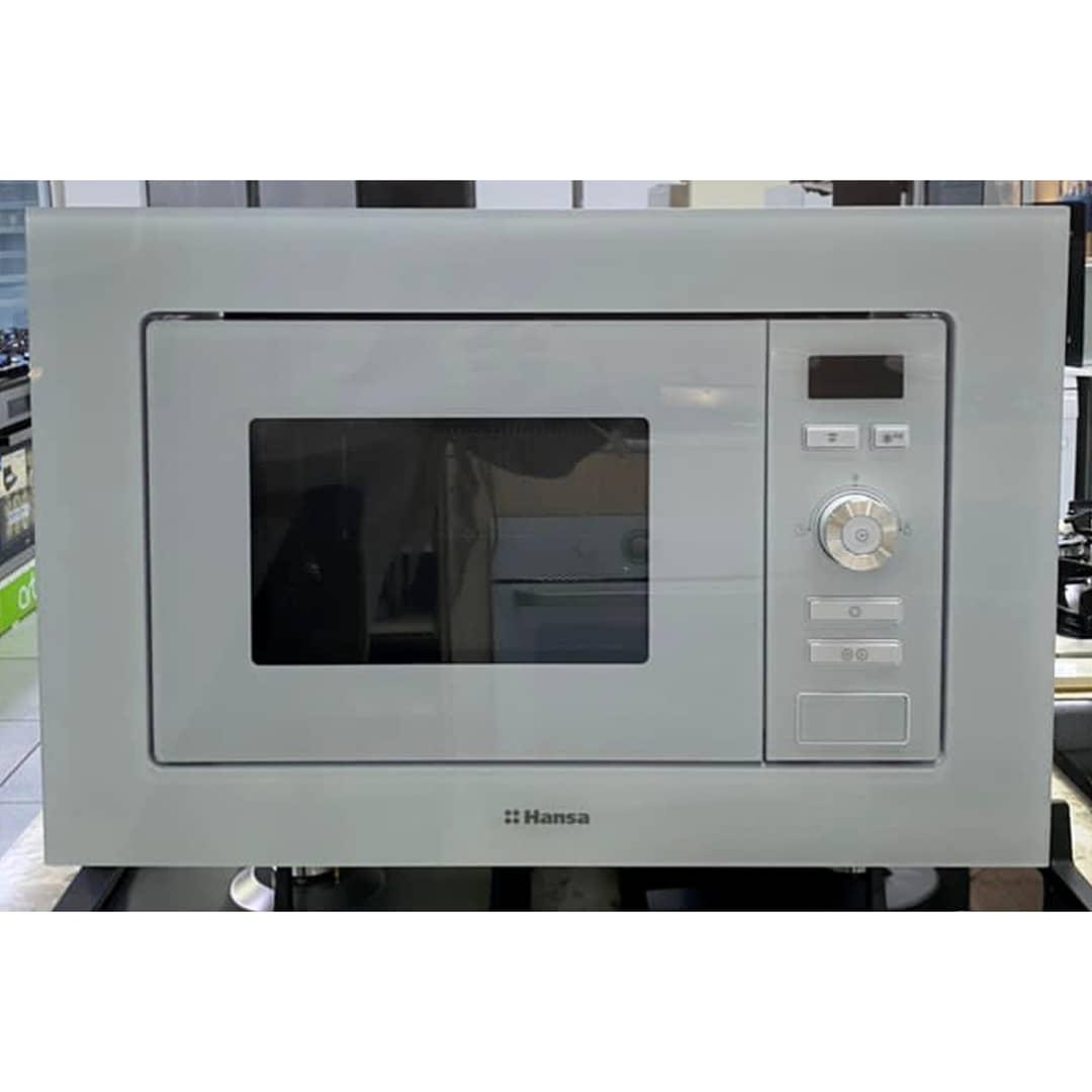 Встраиваемая микроволновка Hansa мощностью 800 Вт